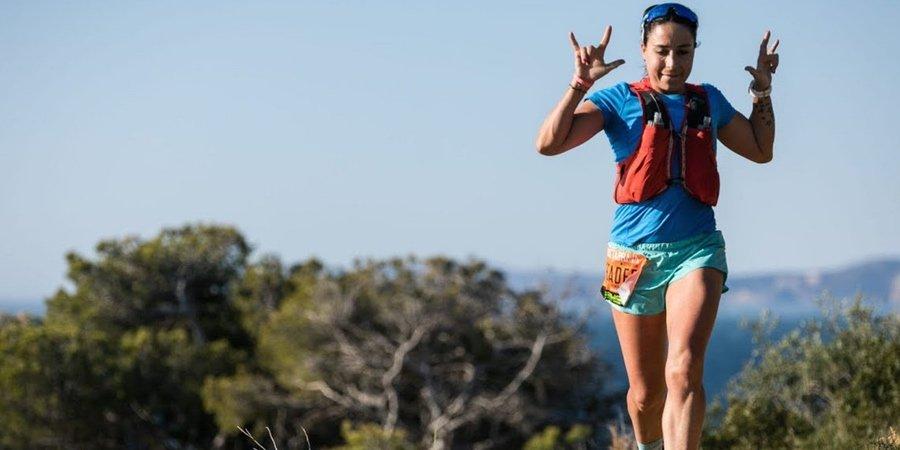 Chalecos de trail running mujer, chaleco trail running mujer, chalecos de hidratacion para correr, chaleco hidratacion salomon